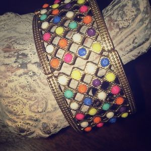 Goldtone multi color stretch bracelet